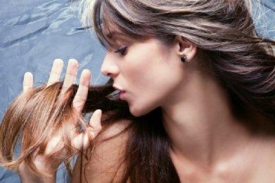 Как избавиться от перхоти у женщин