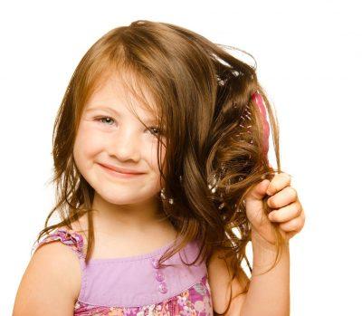 Выпадают волосы у грудничка (14 фото): причины залысин на затылке и облысения у новорожденного ребенка