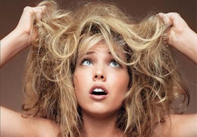 Средства для сухих волос: увлажняющий кондиционер и спрей для очень сухих волос, сыворотка против ломкости и восстановления окрашенных волос