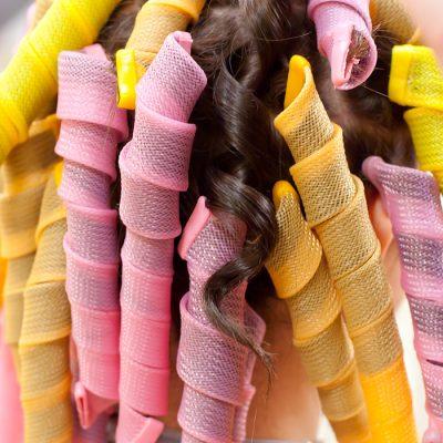 Пышные локоны на средние волосы