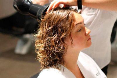 Когда можно красить волосы после химической завивки: через какое время, почему нельзя делать окраску хной и осветление?