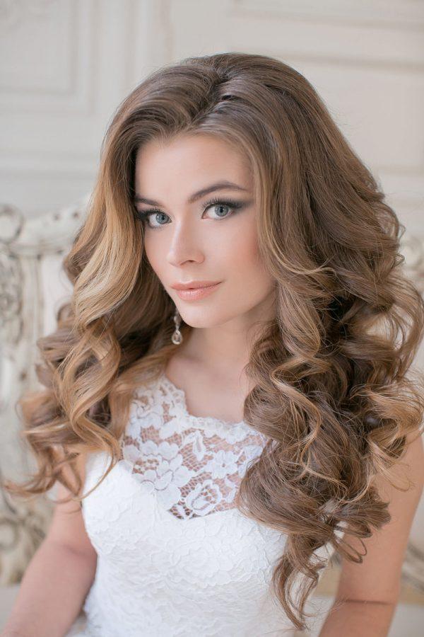 Как накрутить волосы средней длины на плойку