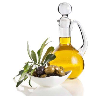 Как нанести масло на корни волос