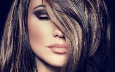 Коричневые пряди на черных волосах