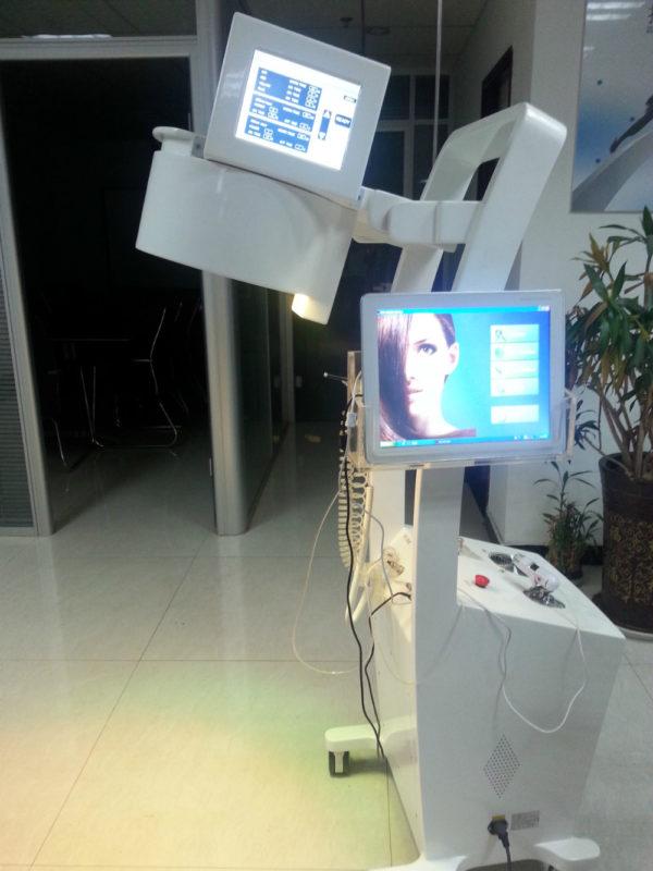 Лазерная терапия для волос — Лечение волос лазером для роста и при выпадении: цена