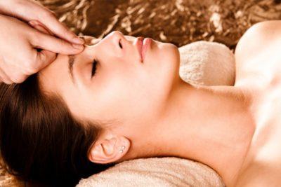 Точечный массаж головы и шеи