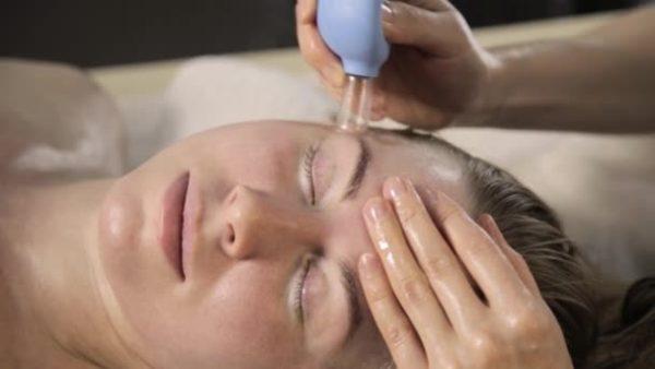 Аппаратный точечный массаж кожи головы thumbnail