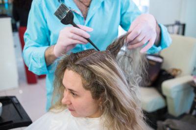 Можно ли покрасить волосы после мелирования