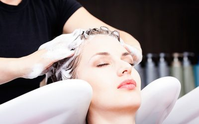 Как часто и правильно мыть сухие волосы?